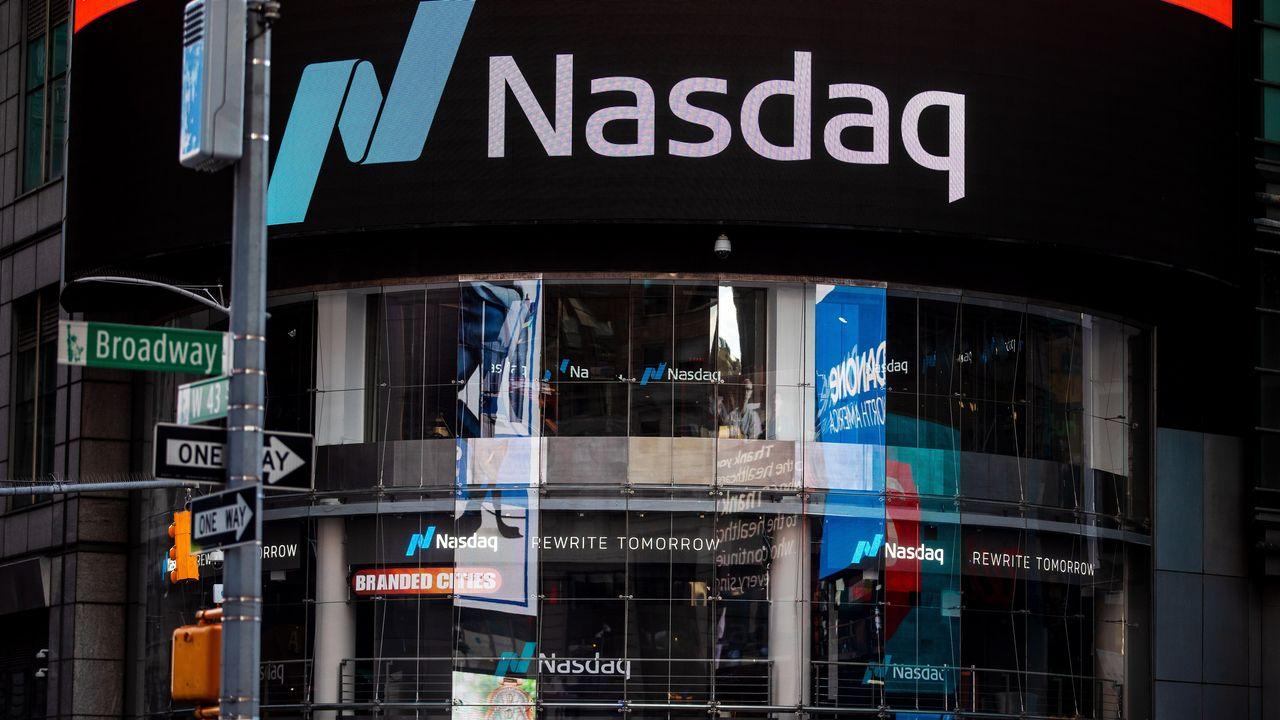 Как инвестировать в индекс Насдак?